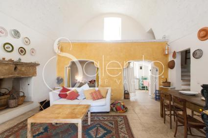 The characteristic living room of the holiday home for rent in Salento