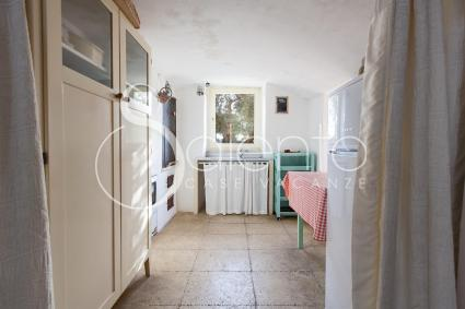The kitchenette of the holiday home for rent in the countryside of Salento