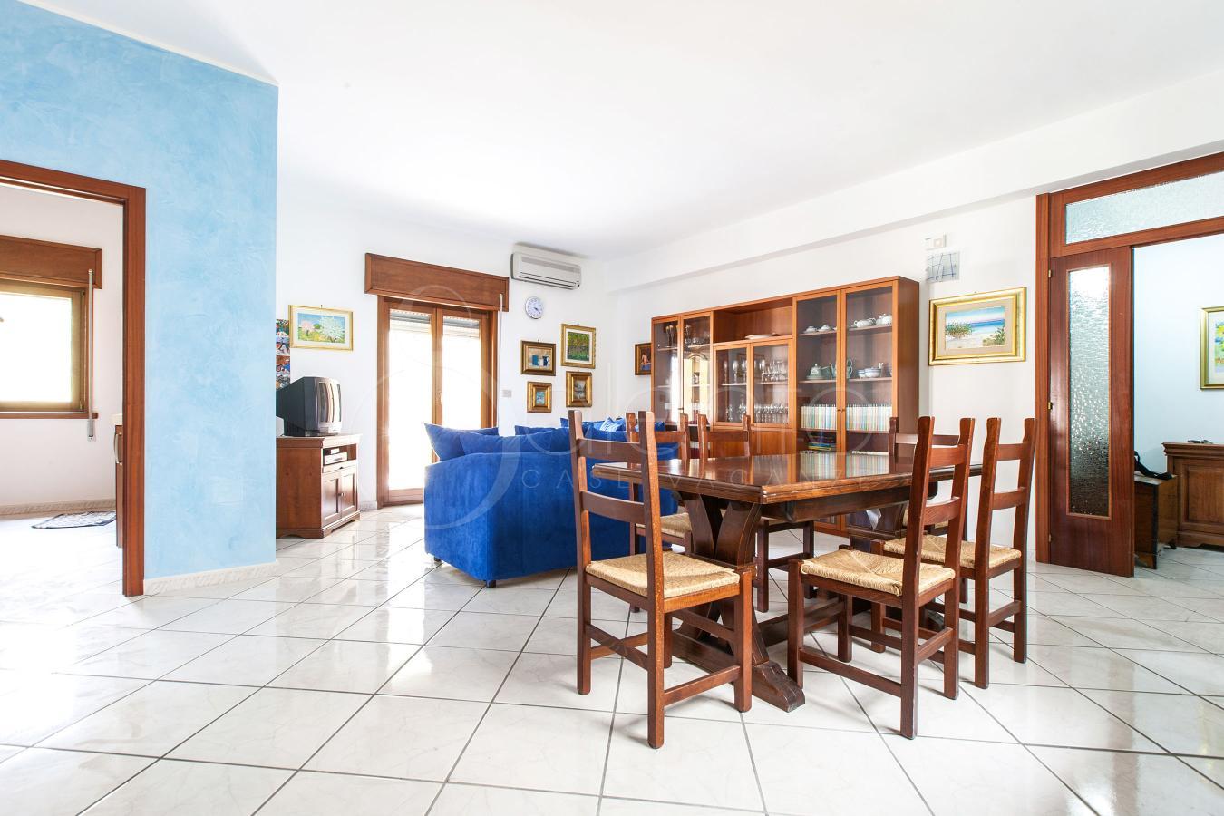 Appartamento in affitto per vacanze a gallipoli corso italia for Appartamento in affitto per suocera