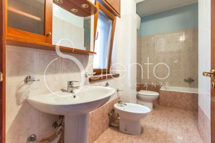 Appartamento in affitto per vacanze a gallipoli corso italia for Bagno della casa moderna