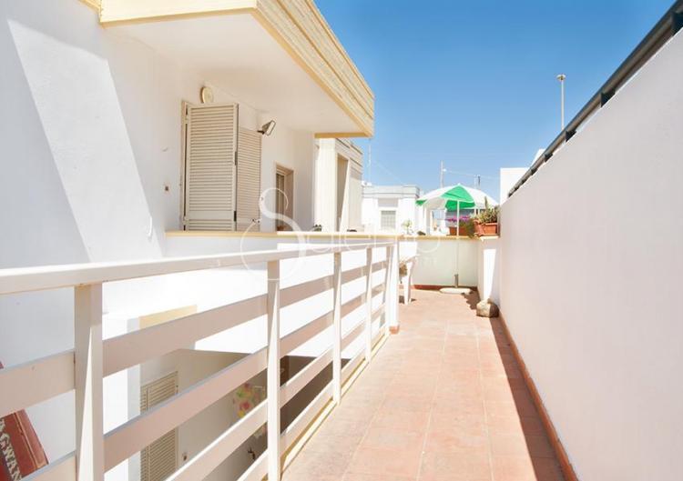 Bilocale in affitto vicino al mare di san gregorio for Appartamenti in affitto a barcellona vicino al mare