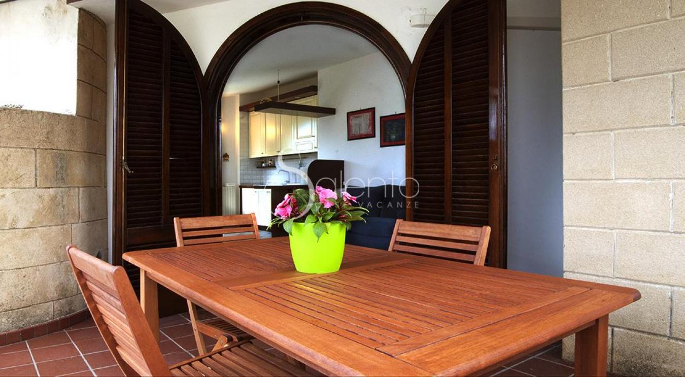 Appartamento in villa in affitto a gagliano del capo for Appartamento in affitto per suocera