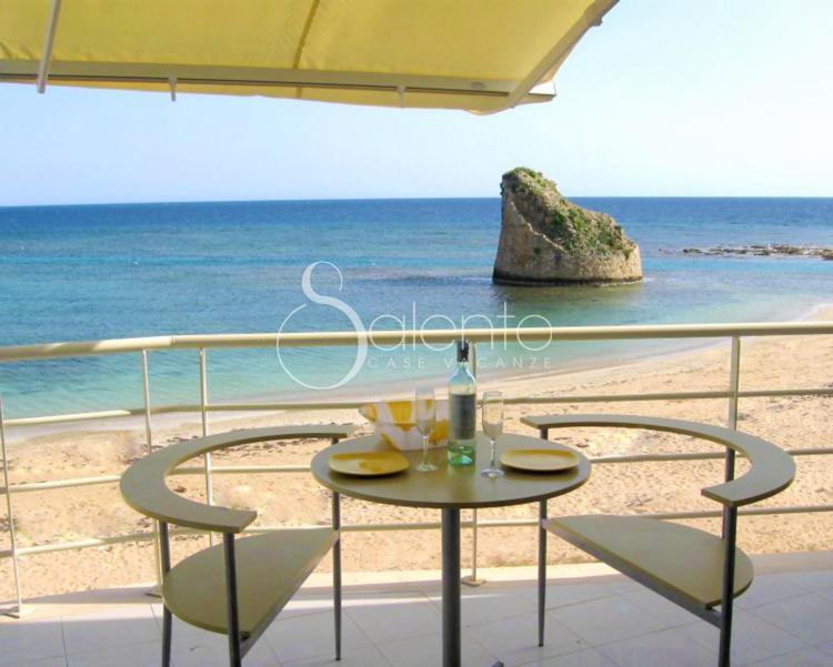 Casa vacanza sulla spiaggia a torre pali attico della for Disegni della casa sulla spiaggia