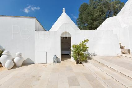 sleeping in a trullo: typical Apulian atmosphere