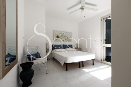 La camera matrimoniale 2 nell`appartamento a 50 metri dalla spiaggia di Lido Marini