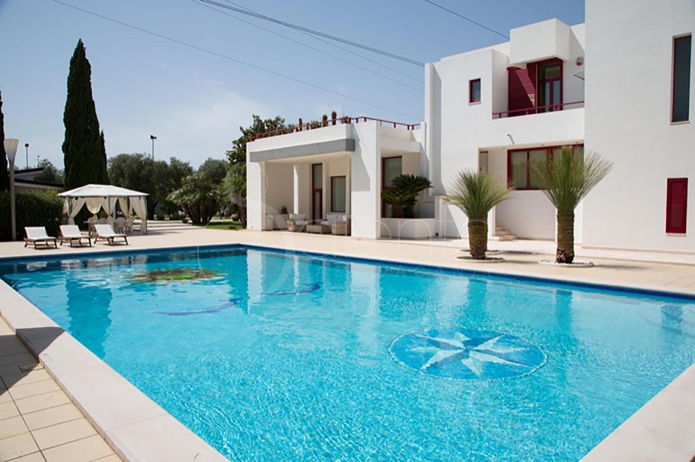 Casa vacanze con piscina nel salento a lecce villa - Casa vacanza con piscina salento ...