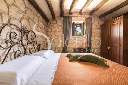 La camera matrimoniale 2 nel Trullo Quercia, per vacanze a Ceglie Messapica