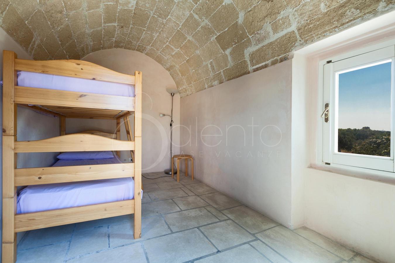 Villa con giardino per vacanze a gallipoli villa rivabella for Bagno 8 rivabella