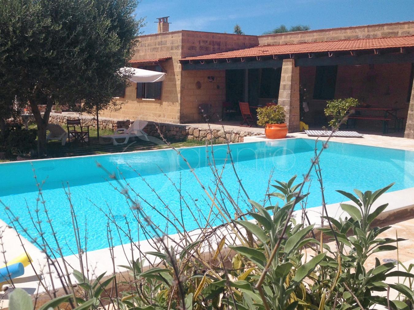 Trilo in villa con piscina a torre pali - Villa con piscina salento ...
