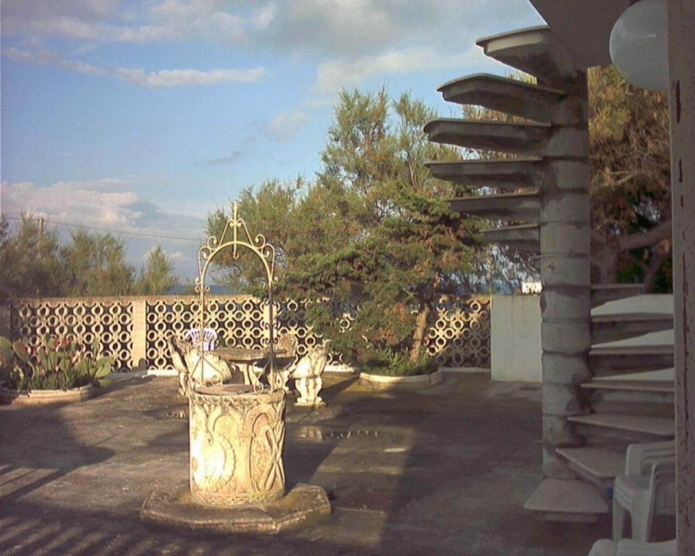 ville e villette - Lindinuso ( Lecce ) - Villino Casa Bianca