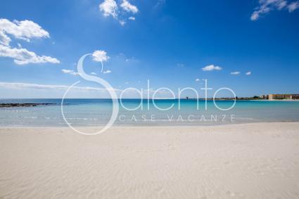 La bella spiaggia di Torre Lapillo, vicina alla casa vacanze