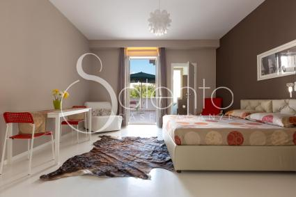 The first Double bedroom of the holiday home for rent in Gallipoli