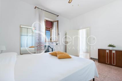 La camera matrimoniale 2, nella villetta sul mare in affitto in Puglia