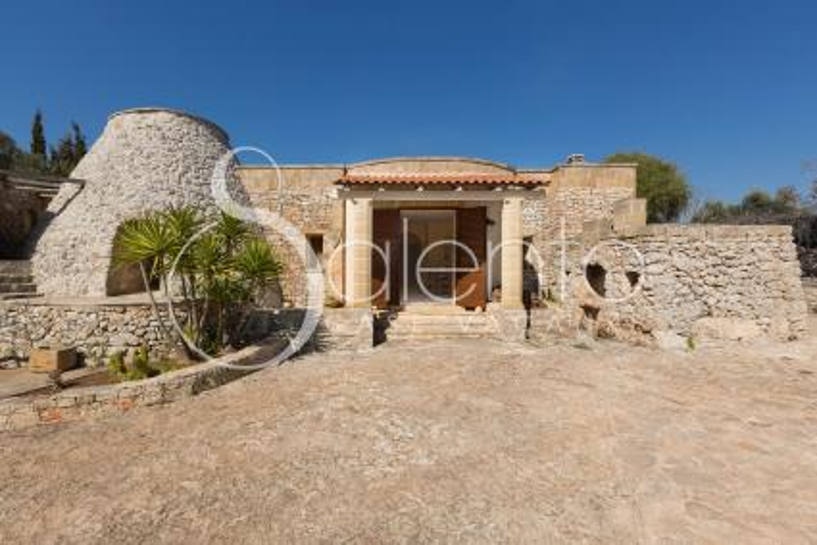 trulli e pajare - San Gregorio ( Leuca ) - Masseria Colosso - Pajara