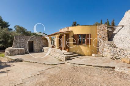 trulli et pajare - San Gregorio ( Leuca ) - Masseria Colosso - Liama