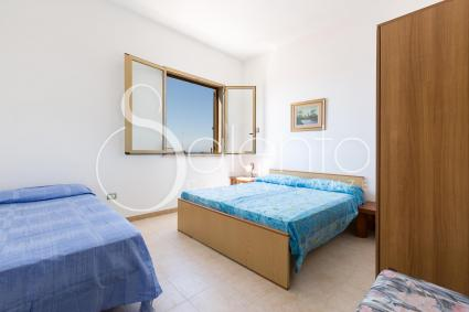triple bedroom (king-size bed and single bed)