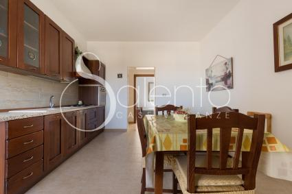 habitable kitchen with dining table