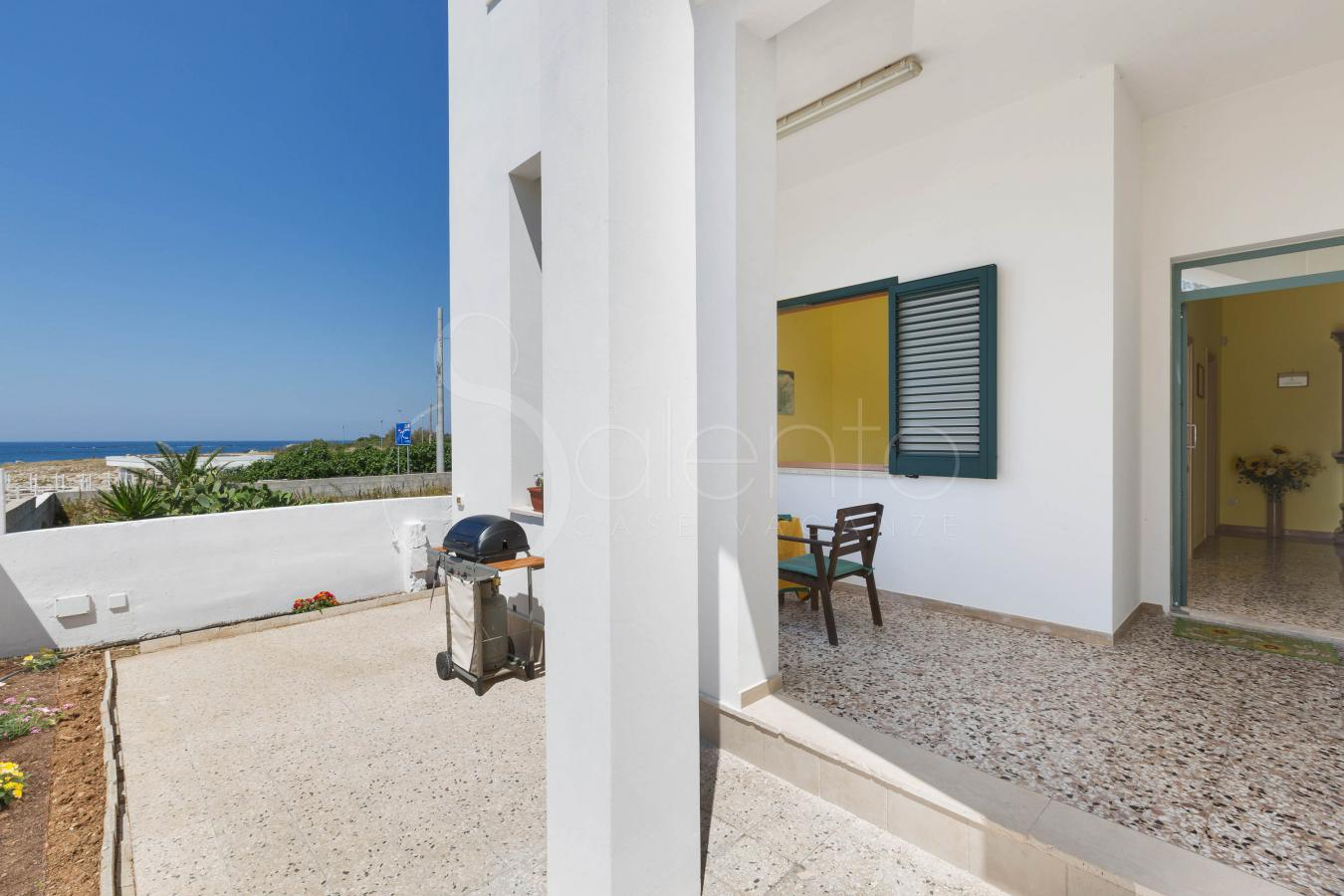 Seafront House For Rent In Torre Suda Solatio A
