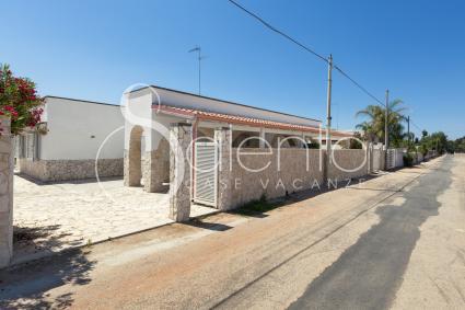 access to the small villa