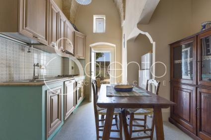 the habitable and well-equipped kitchen