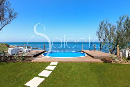 The garden with private access to the sea of Torre Guaceto