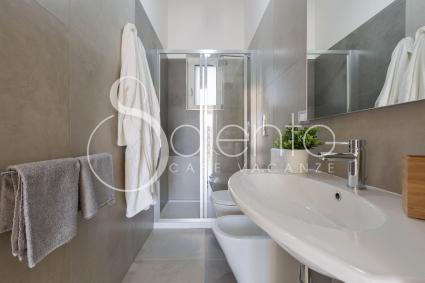Modern and large bathroom with shower