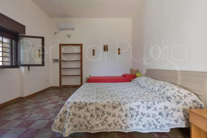 Triple bedroom 2 with double bed and single bed
