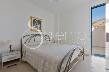 The double room of the holiday home for rent by the sea of Salento