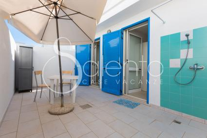 The inner courtyard also has a shower, very convenient twhen you return from the beache