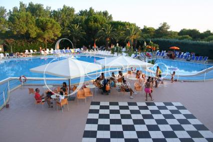 Piscina e area divertimento