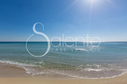La spiaggia di Torre Lapillo, sabbia dorata e mare cristallino