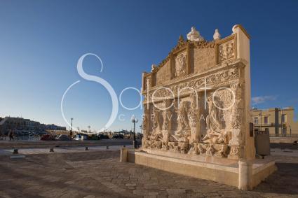 La fontana greca, simbolo della Città Bella
