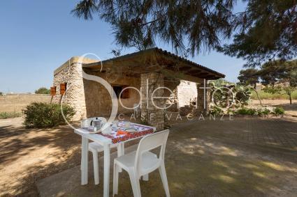 L`antica struttura è oggi una bella casa vacanze sul mare del Salento