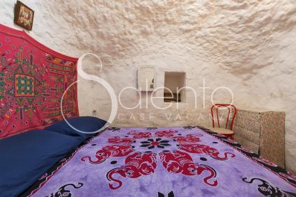 La camera matrimoniale sotto la bella volta della pajara
