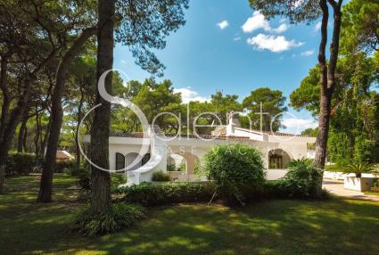 Villa di lusso in affitto in residence, a 200 metri dalla spiaggia di Ginosa