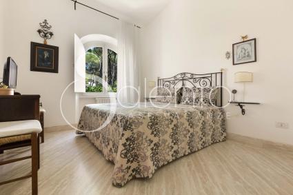 La villa di lusso in affitto per vacanze in Puglia offre 8 posti letto nelle 4 camere