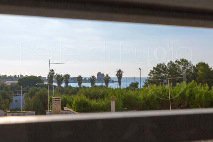 La vista sulla spiaggetta e sul mare più vicino