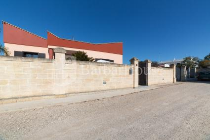 Complex of 3 holiday homes for rent by the sea of Salento