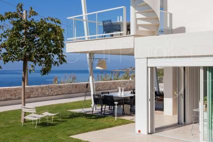 The villa by the sea for rent in Puglia is built on two levels