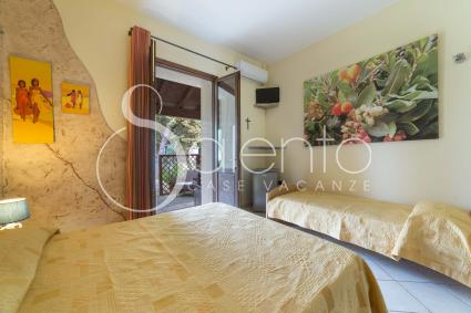 I Corbezzoli - a triple room furnished with double bed plus single bed