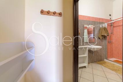 I Corbezzoli -the bathroom with shower