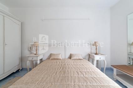Camera 2 - Arredamento elegante e raffinato nella sua luminosa semplicità