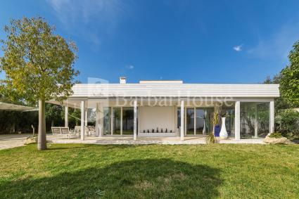 Moderno e raffinato, il B&B è formato da 4 camere e ospita fino a 12 persone
