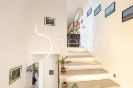 Le scale interne portano alla mansarda