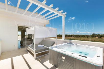Suite Attico con Jacuzzi | Perla Saracena Luxury Suites
