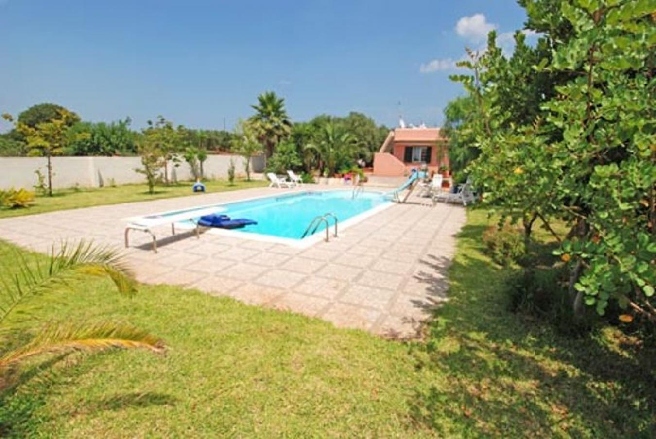 Tiggiano marina serra affitto villa con piscina villa rosa - Piscine di rosa ...
