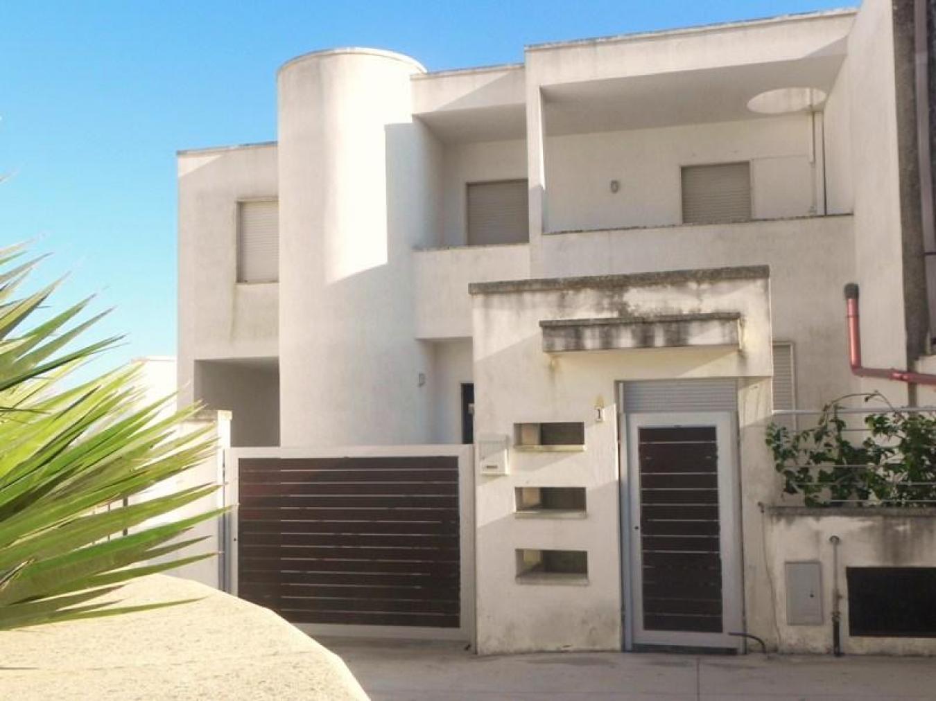 Appartamento in affitto a collepasso gallipoli per 8 persone for Quadri per appartamento