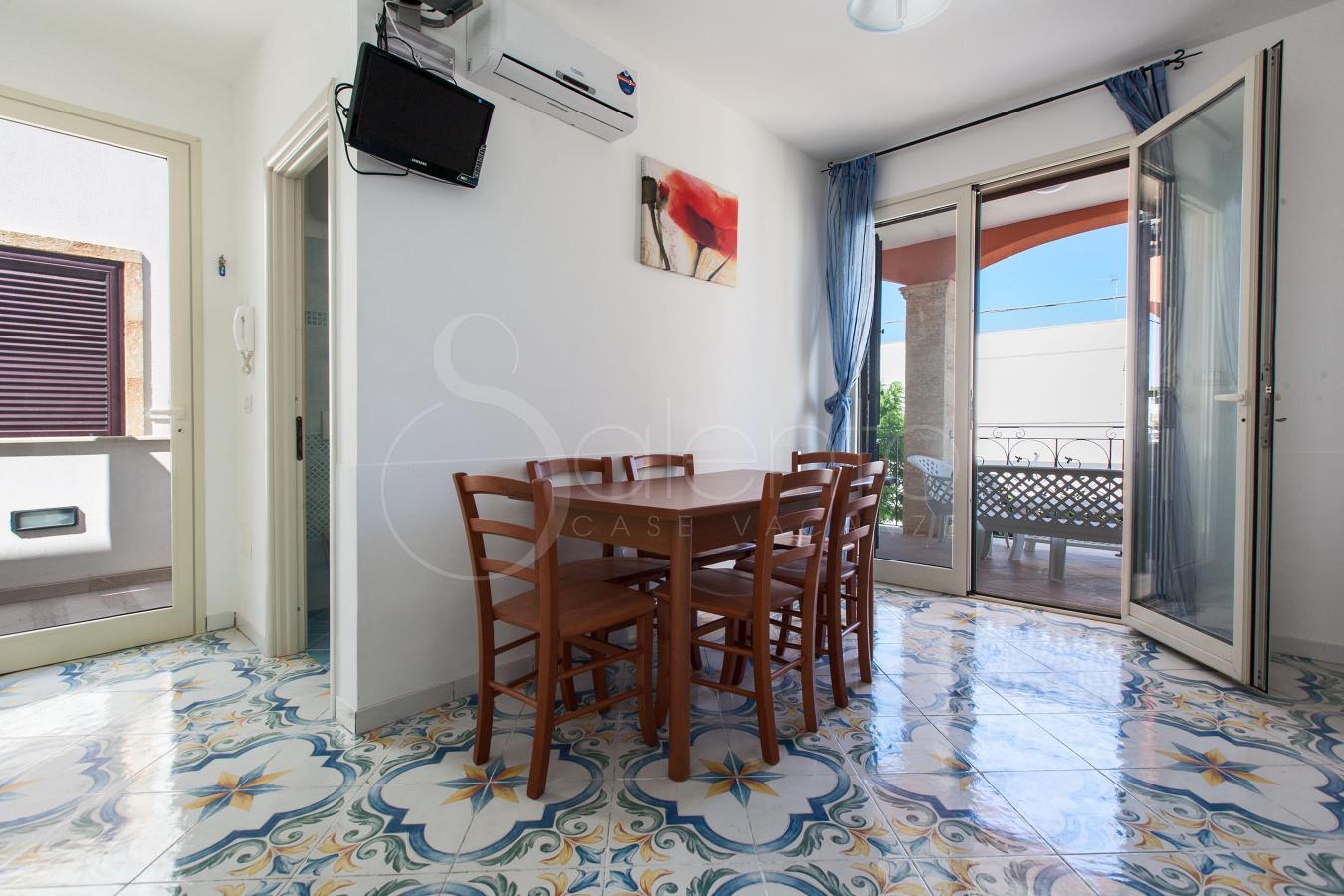 Casa vacanze a pochi metri dalla spiaggia di torre pali for Piccolo piano di pagamento della casa