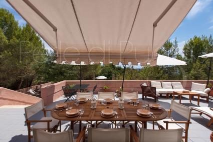 Pranzare, cenare, rilassarsi all`aperto: una vacanze per respirare aria sana, a Leuca